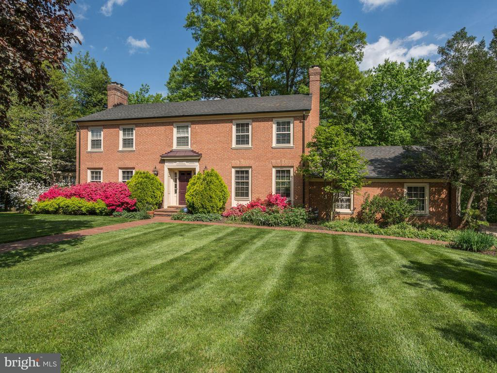 Fairfax Homes for Sale -  Central Vacuum,  5117  BROOKRIDGE PLACE