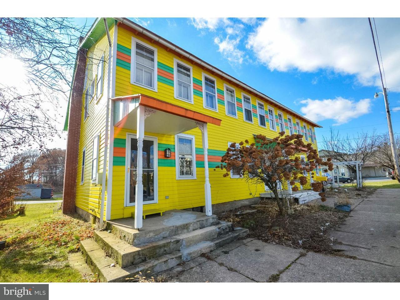 Maison unifamiliale pour l Vente à 5715 OLD ROUTE 22 Shartlesville, Pennsylvanie 19554 États-Unis