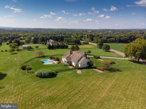 Property for sale at 19810 Silcott Springs Rd, Purcellville,  VA 20132