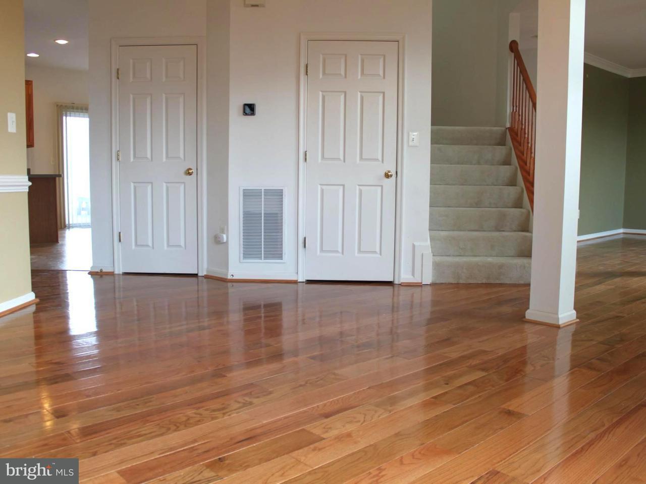 Частный односемейный дом для того Продажа на 18303 Ashmeade Road 18303 Ashmeade Road Boyds, Мэриленд 20841 Соединенные Штаты