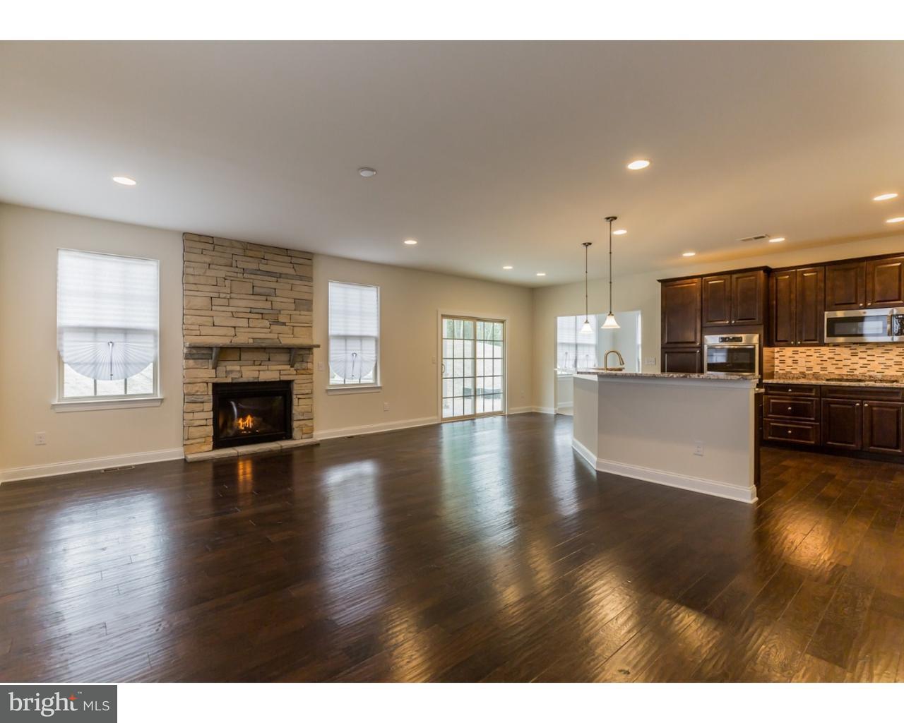 独户住宅 为 销售 在 5 POLLOCK Court West Berlin, 新泽西州 08091 美国