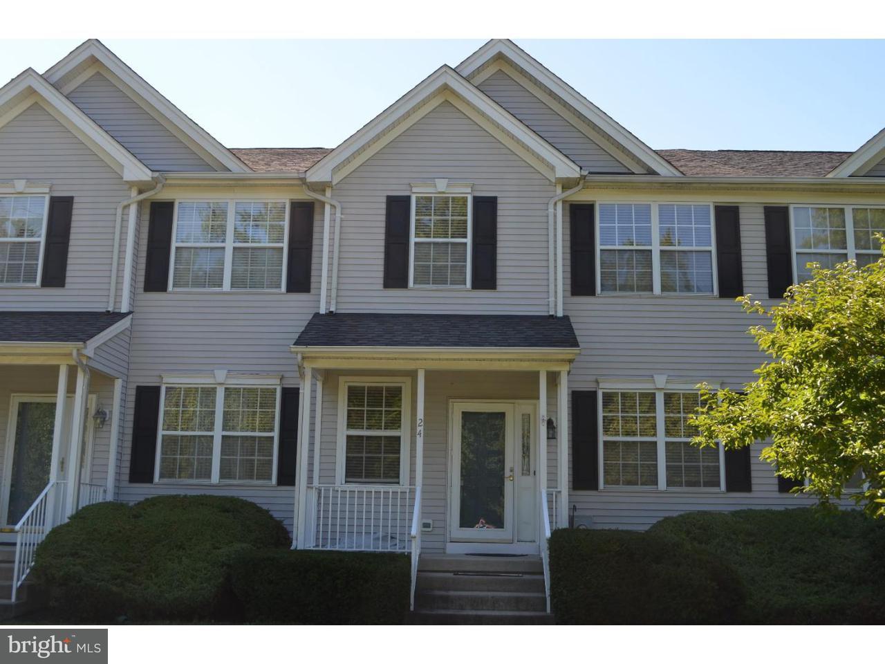 联栋屋 为 出租 在 24 UXBRIDGE Drive 特伦顿, 新泽西州 08691 美国在/周边: Robbinsville Township