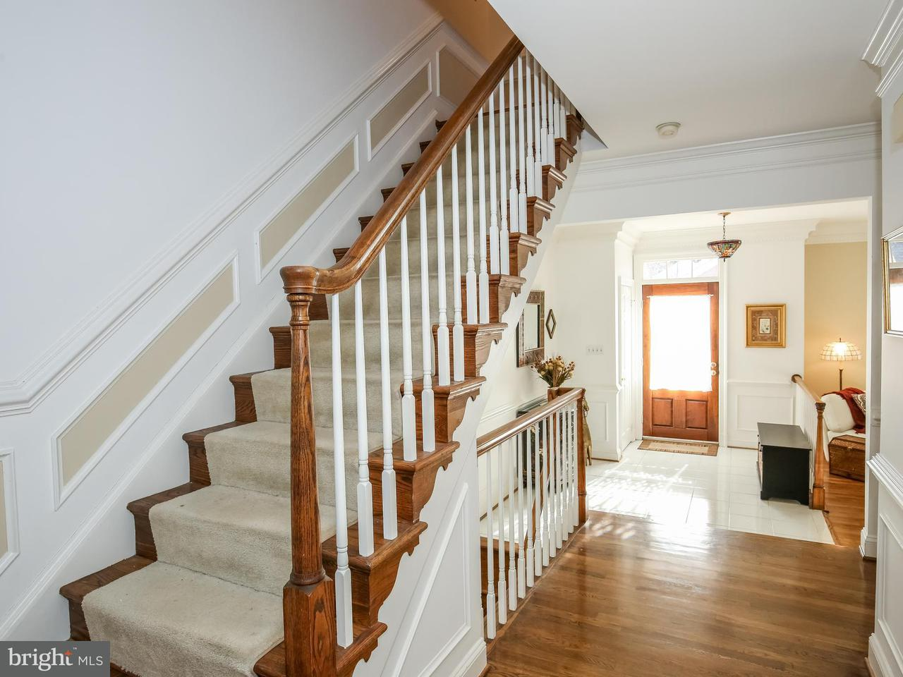 Townhouse for Sale at 8910 Barrowgate Court 8910 Barrowgate Court Potomac, Maryland 20854 United States