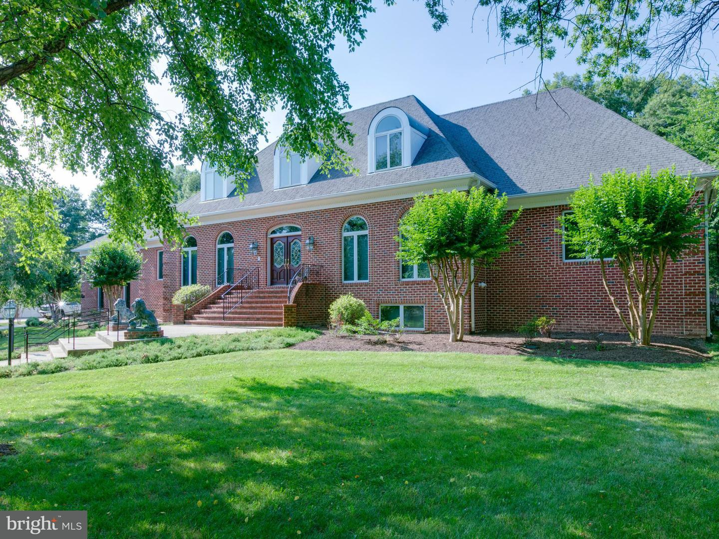 Single Family for Sale at 1603 King James Pl Alexandria, Virginia 22304 United States