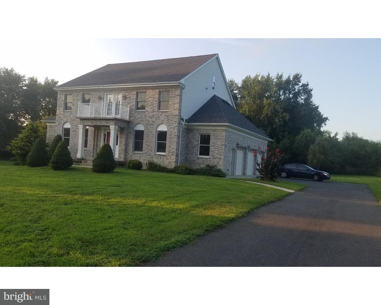 Частный односемейный дом для того Продажа на 160 BUCKNELL Avenue Hamilton, Нью-Джерси 08619 Соединенные ШтатыВ/Около: Hamilton Township