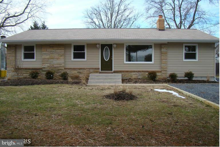 Other Residential for Rent at 5870 Deale Churchton Rd Deale, Maryland 20751 United States