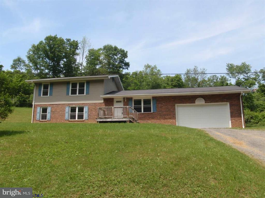 Single Family for Sale at 1191 Guseman School Rd Albright, West Virginia 26519 United States