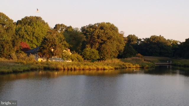 Eensgezinswoning voor Verkoop een t 406 Deale Road 406 Deale Road Tracys Landing, Maryland 20779 Verenigde Staten