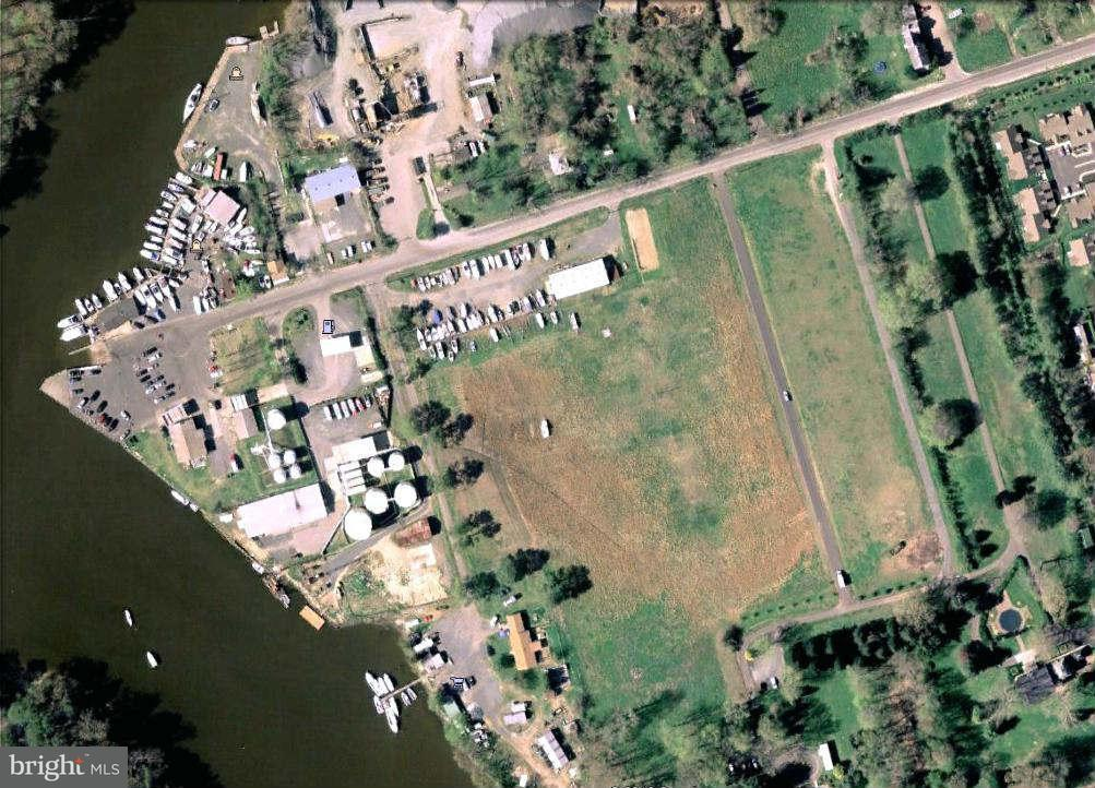 Land for Sale at 846 Point Road 846 Point Road Easton, Maryland 21601 United States