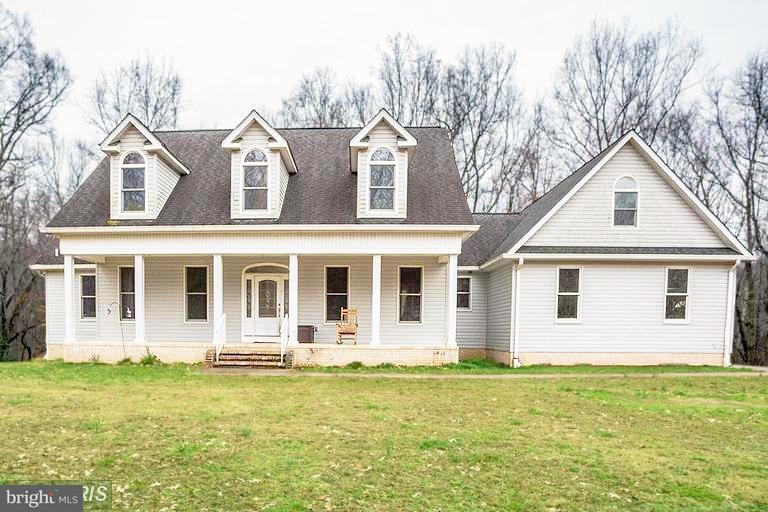 獨棟家庭住宅 為 出售 在 3625 Dutton Place 3625 Dutton Place White Plains, 馬里蘭州 20695 美國