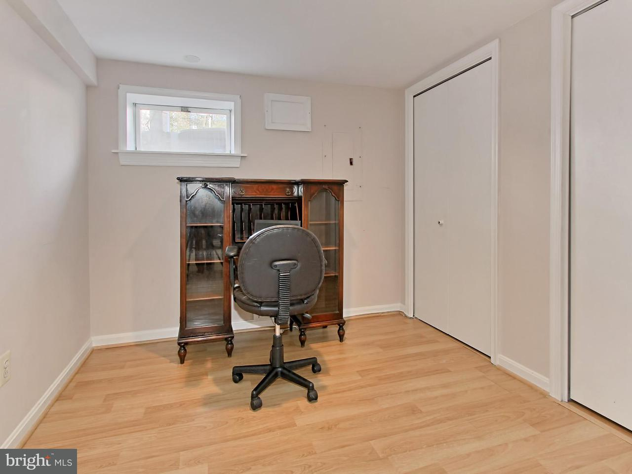 Additional photo for property listing at 1007 Kennedy Street 1007 Kennedy Street Falls Church, Virginia 22046 Estados Unidos