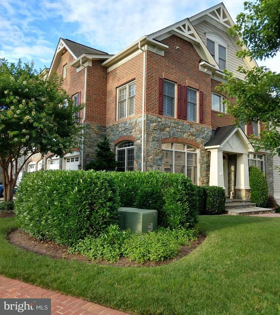 Photo of home for sale at 18264 Cypress Point Terrace, Leesburg VA