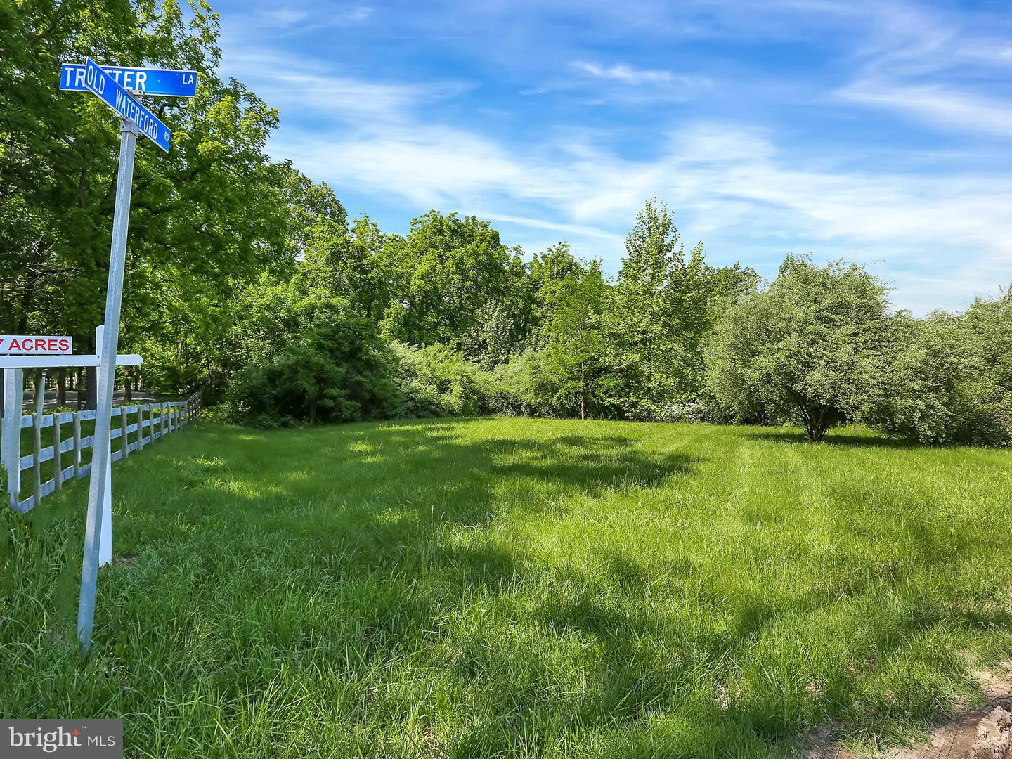 Land for Sale at Old Waterford Road Paeonian Springs, Virginia 20129 United States