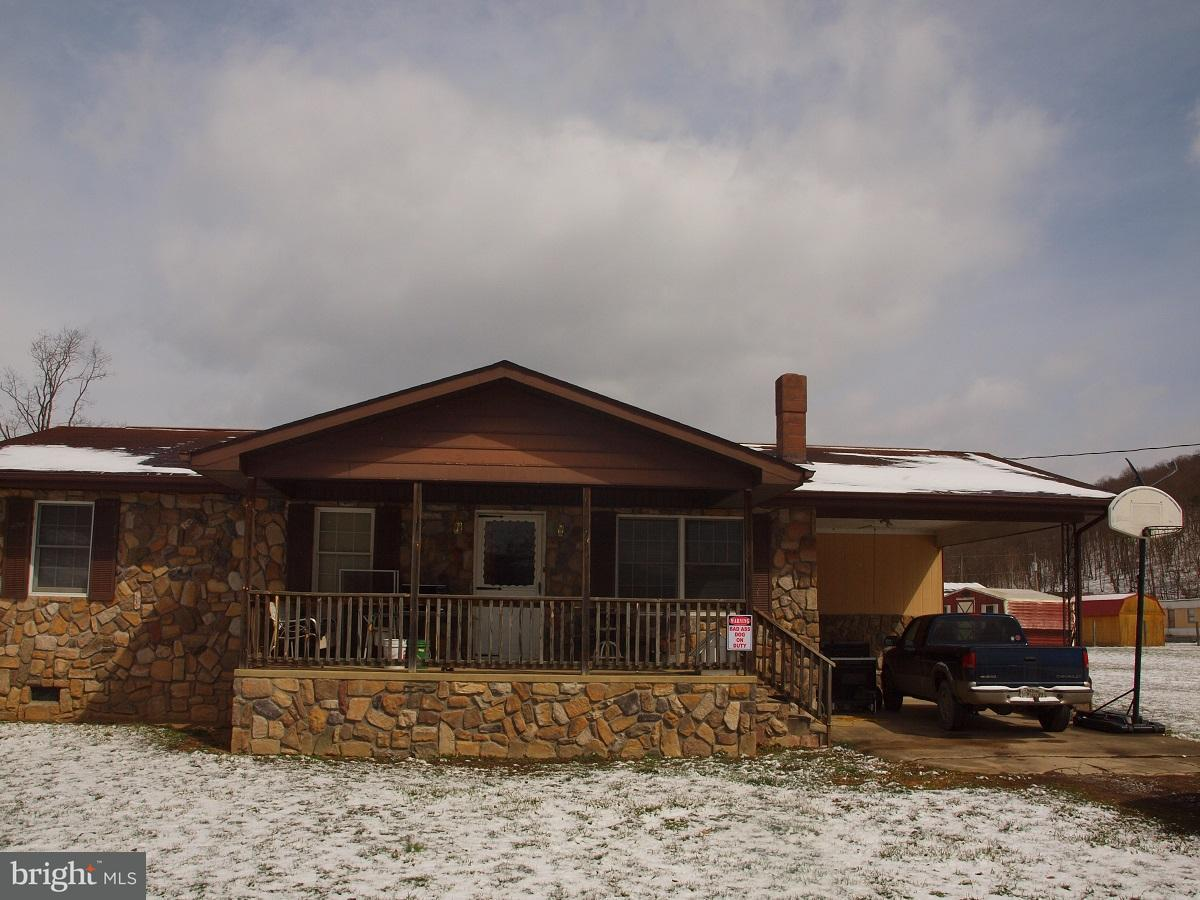 Single Family for Sale at 29 Ridge Road Upper Tract, West Virginia 26866 United States