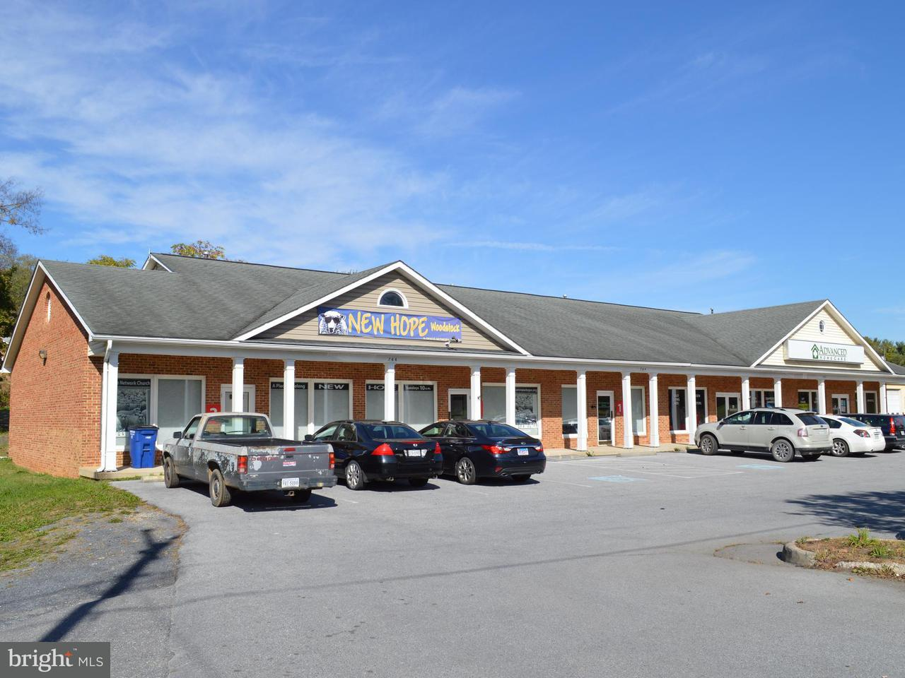 Commercial for Sale at 762766 Main St Woodstock, Virginia 22664 United States