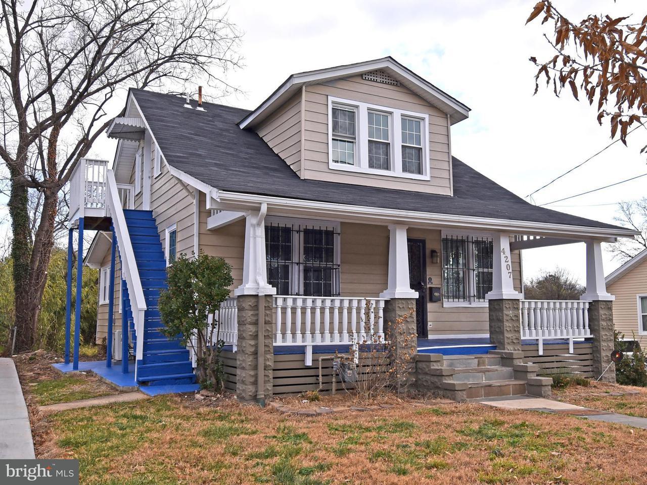 独户住宅 为 销售 在 4207 28th Street 4207 28th Street Mount Rainier, 马里兰州 20712 美国