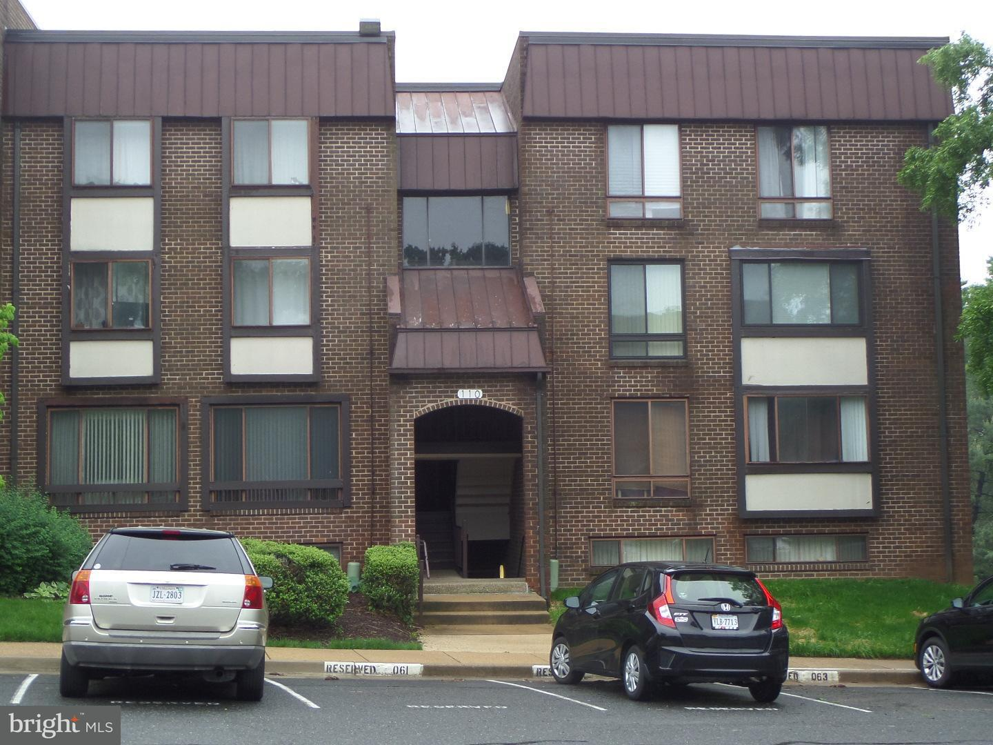 Single Family for Sale at 110 Roberts Ln #201 Alexandria, Virginia 22314 United States