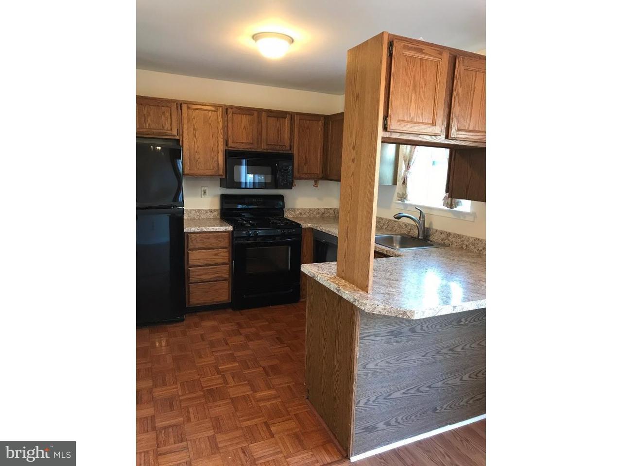 联栋屋 为 出租 在 1206 WINDMILL Circle Norristown, 宾夕法尼亚州 19403 美国