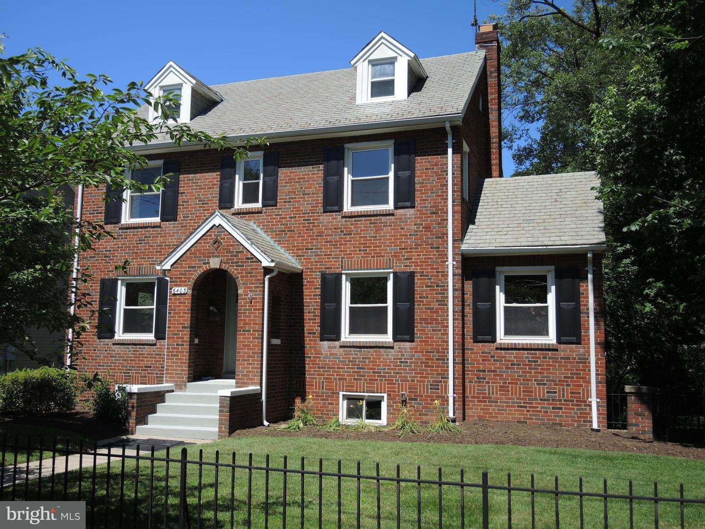 Single Family for Sale at 6403 40th Ave University Park, Maryland 20782 United States