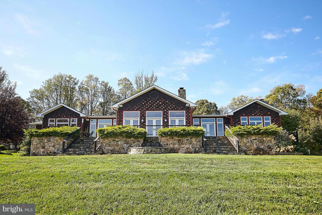 农场 为 销售 在 59 Riley Hollow Road 59 Riley Hollow Road Huntly, 弗吉尼亚州 22640 美国