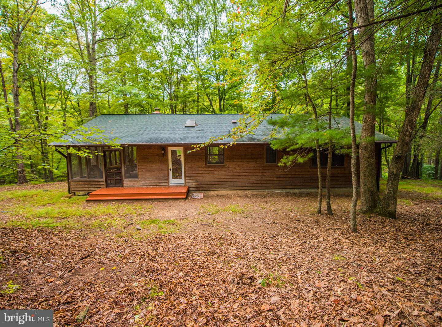 Single Family for Sale at 500 Cann's Neck Way Great Cacapon, West Virginia 25422 United States