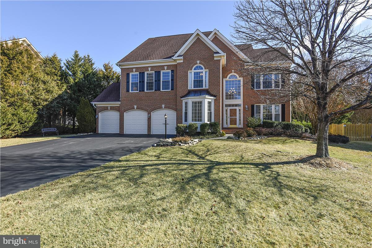Single Family Home for Sale at 4693 Autumn Glory Way 4693 Autumn Glory Way Chantilly, Virginia 20151 United States