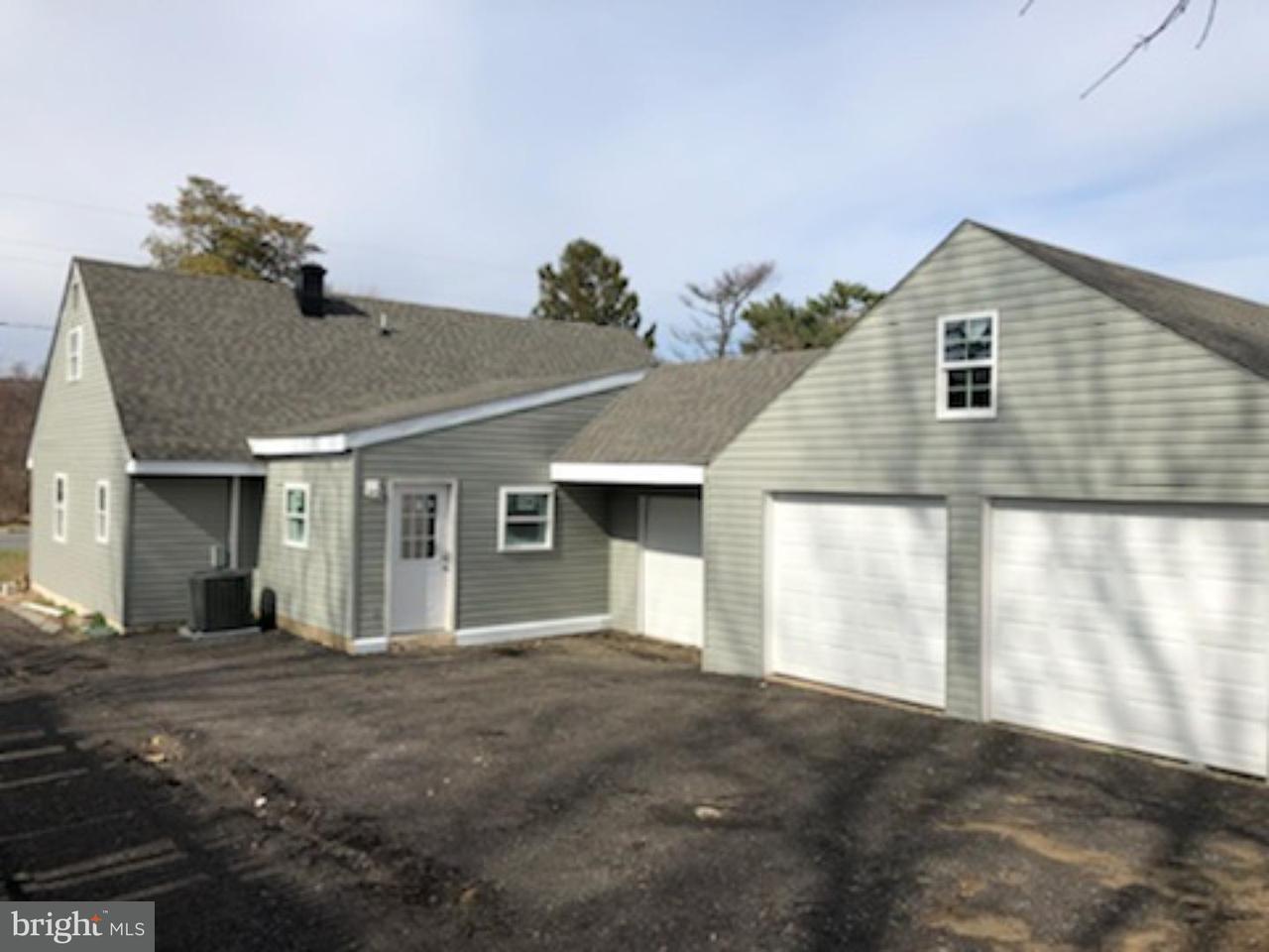 Nhà ở một gia đình vì Bán tại 717 CLINTON Street Delaware City, Delaware 19706 Hoa Kỳ