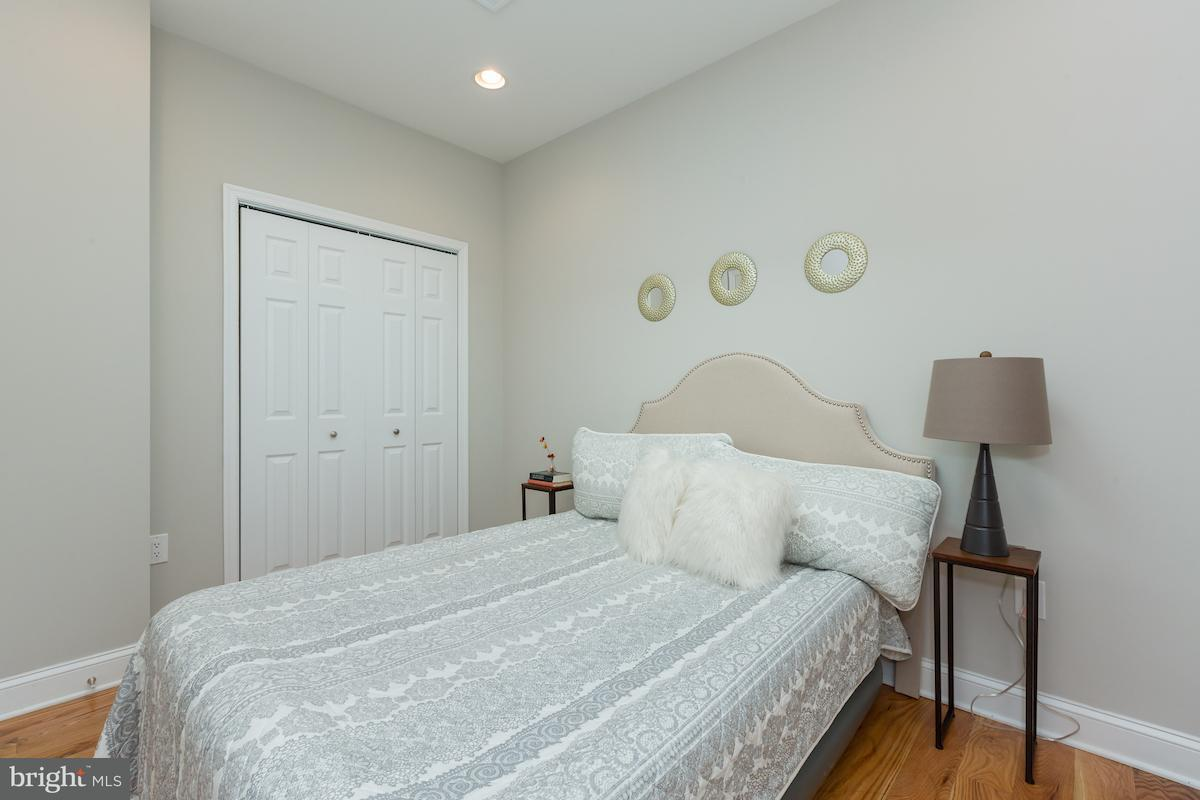 Additional photo for property listing at 1311 H St Ne #U-2 1311 H St Ne #U-2 Washington, District Of Columbia 20002 United States