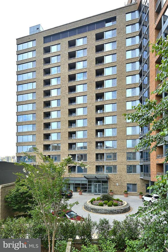 Condominium for Sale at 2001 15th St N #608 2001 15th St N #608 Arlington, Virginia 22201 United States
