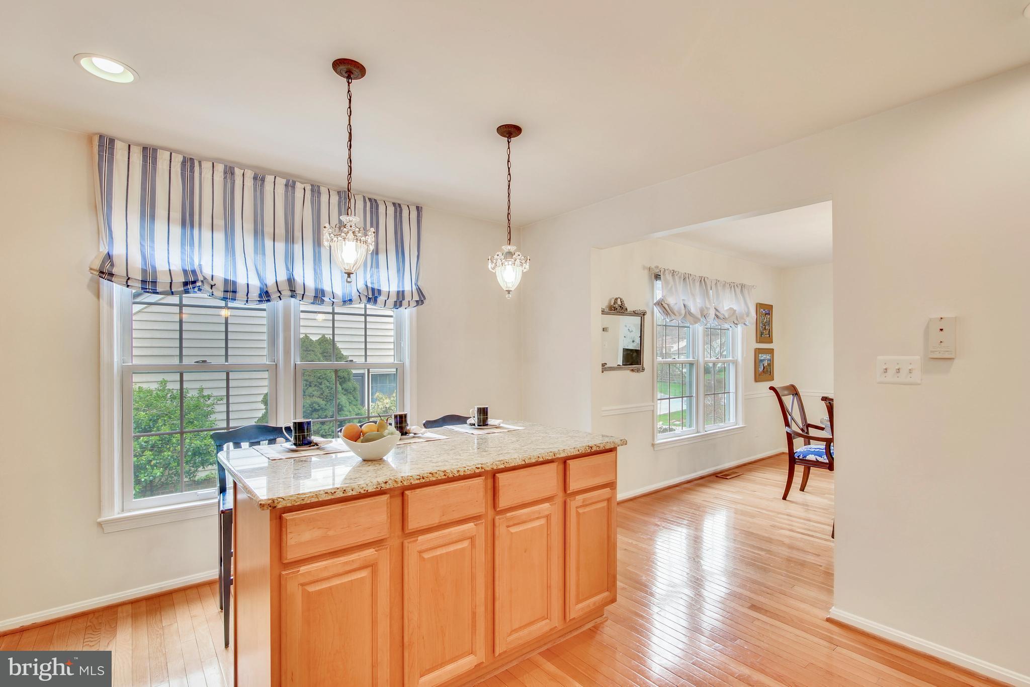 9840 DELLCASTLE RD, Montgomery Village, MD 20886 $484,000 www ...