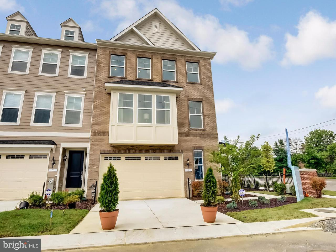 Townhouse for Sale at 33 Enclave Court 33 Enclave Court Annapolis, Maryland 21403 United States