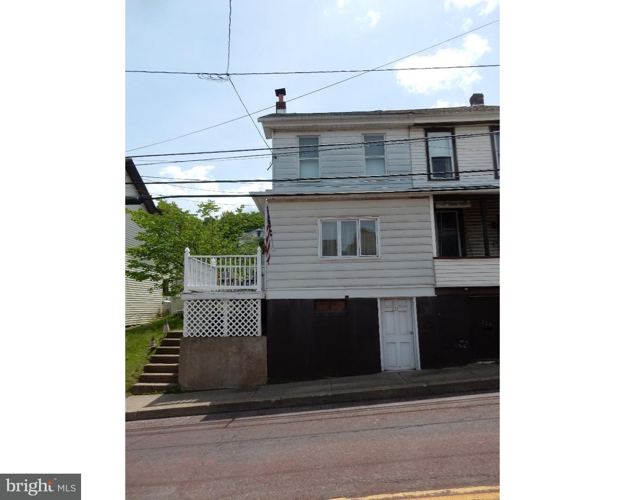 独户住宅 为 销售 在 221 HUDSONDALE Street Weatherly, 宾夕法尼亚州 18255 美国