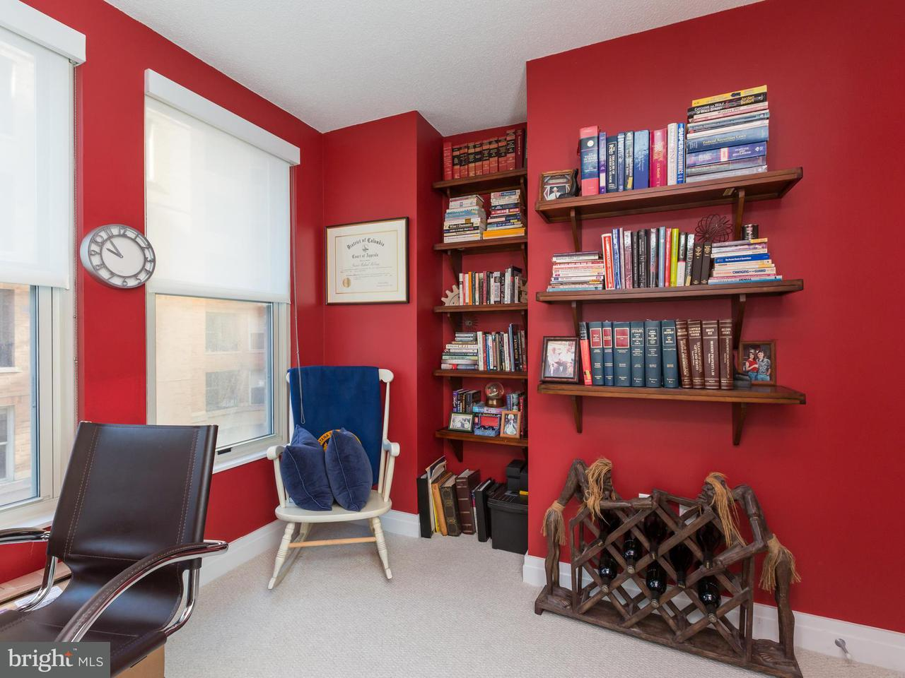 Additional photo for property listing at 915 E St NW #613  Washington, District Of Columbia 20004 United States