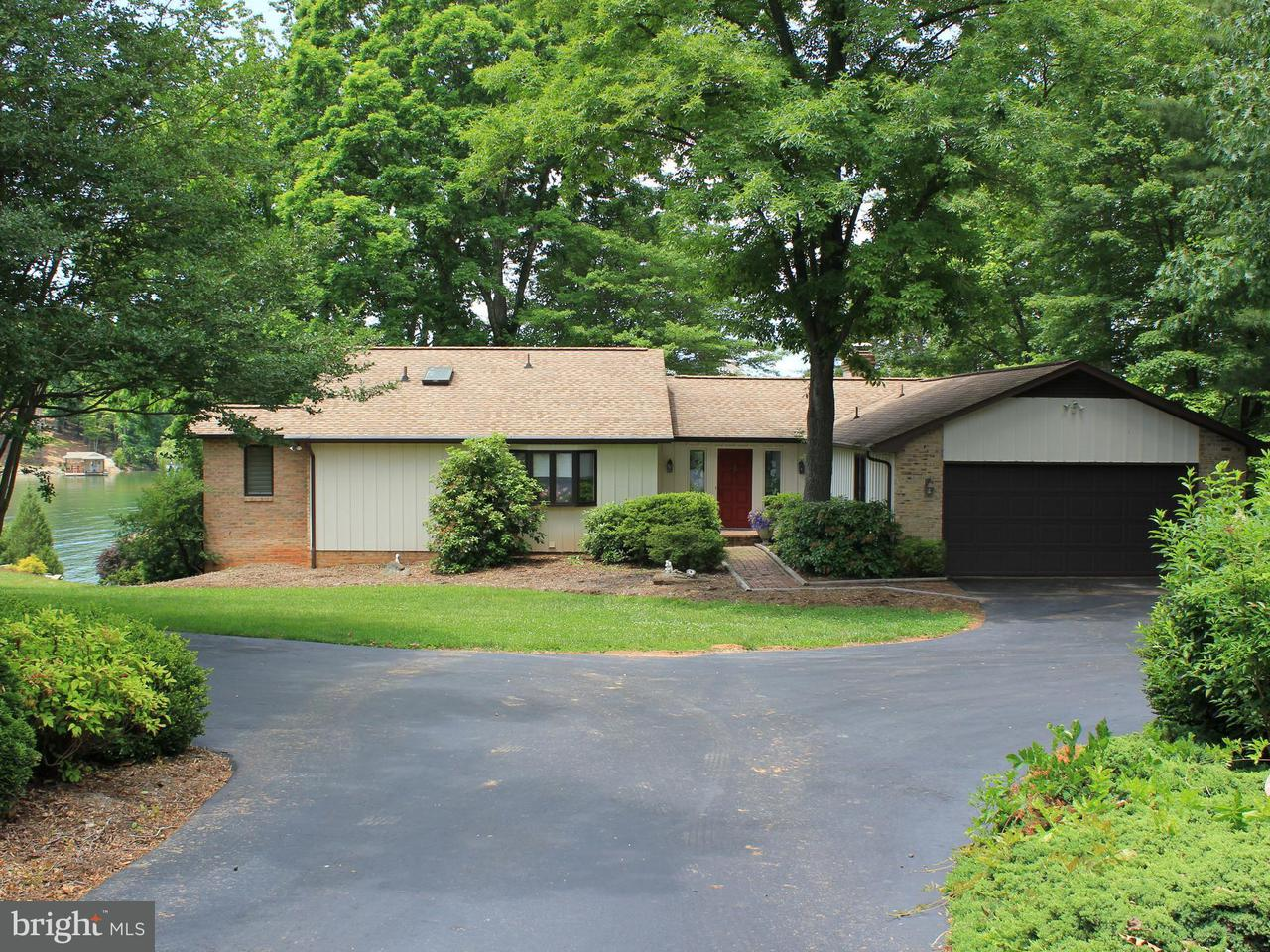 Additional photo for property listing at 167 Windmere Trail 167 Windmere Trail Moneta, Virginia 24121 United States