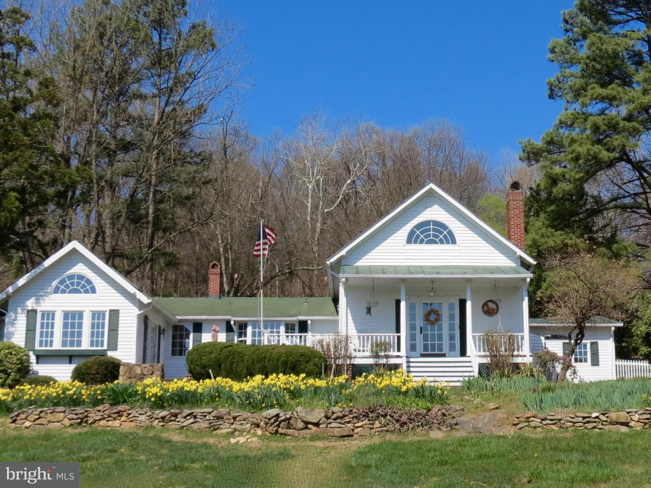 Single Family for Sale at 124 Rolling Rd Sperryville, Virginia 22740 United States