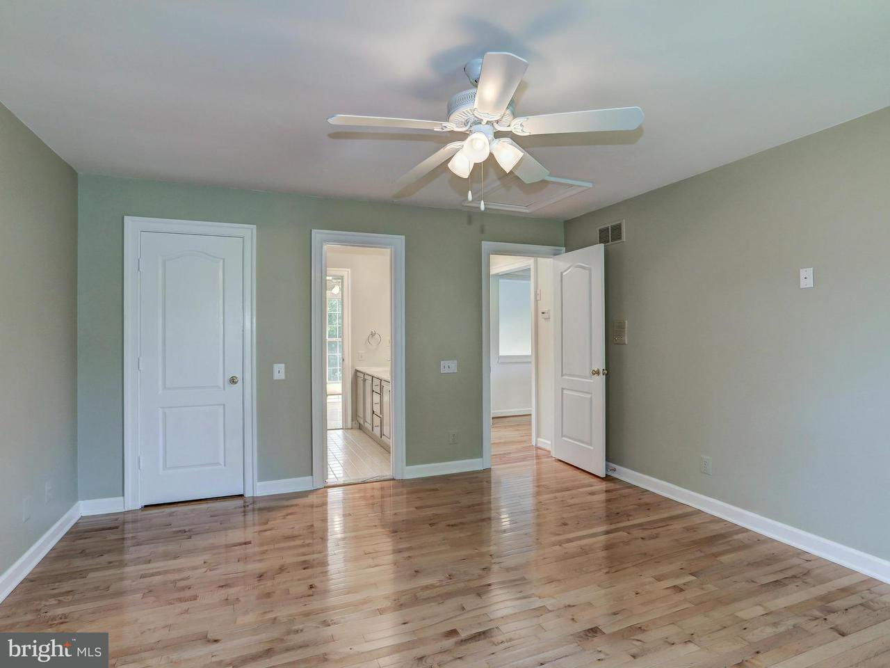 Additional photo for property listing at 10716 Falls Pointe Drive 10716 Falls Pointe Drive Great Falls, Virginia 22066 United States