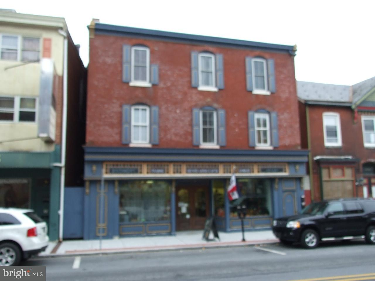 Частный односемейный дом для того Продажа на 33 S 3RD Street Oxford, Пенсильвания 19363 Соединенные Штаты