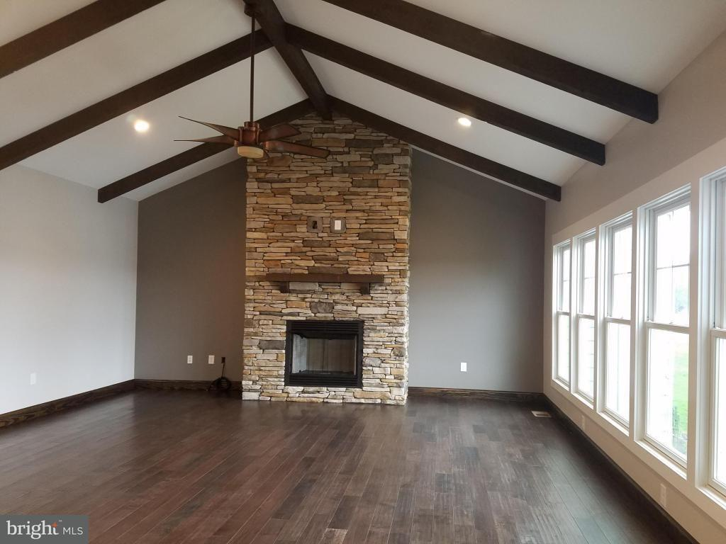 Additional photo for property listing at 271 Compass Cove Circle 271 Compass Cove Circle Moneta, Virginia 24121 United States
