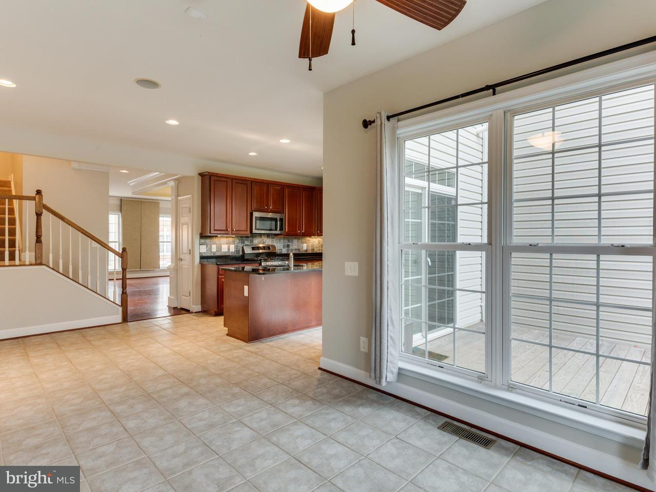 Additional photo for property listing at 3251 Theodore R Hagans Dr Ne 3251 Theodore R Hagans Dr Ne Washington, 哥倫比亞特區 20018 美國