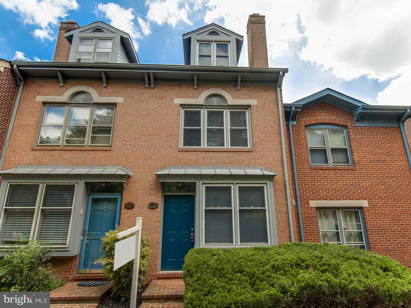 Other Residential for Rent at 539 Colecroft Ct Alexandria, Virginia 22314 United States