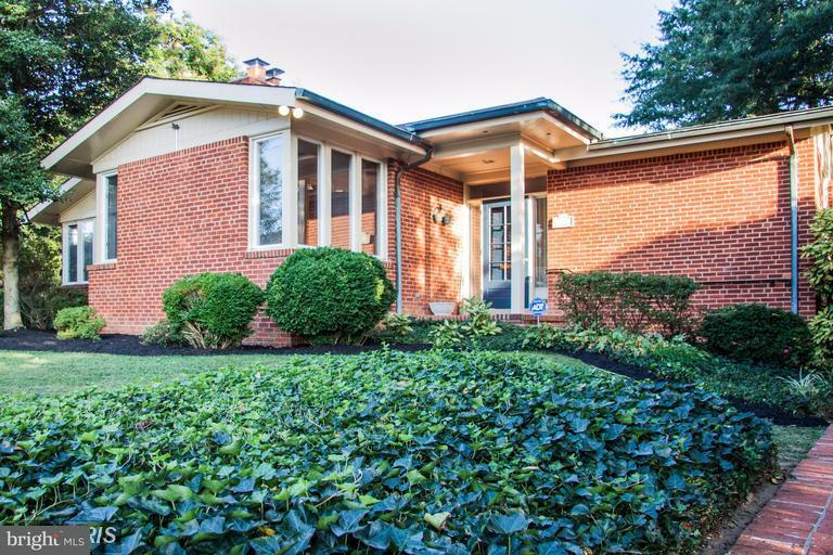 Additional photo for property listing at 1316 Brent Street 1316 Brent Street Fredericksburg, Virginia 22401 Vereinigte Staaten