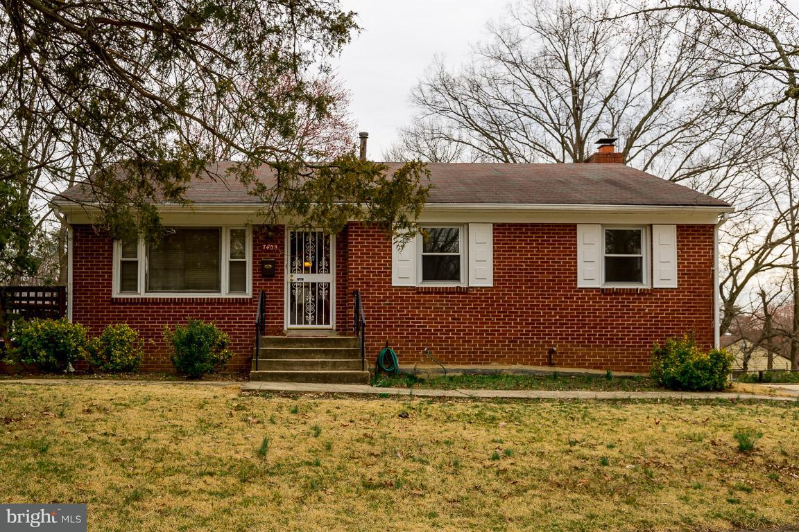 Single Family for Sale at 7405 Jodie Ct New Carrollton, Maryland 20784 United States