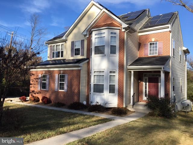 Maison unifamiliale pour l Vente à 4900 Powder Mill Road 4900 Powder Mill Road Beltsville, Maryland 20705 États-Unis