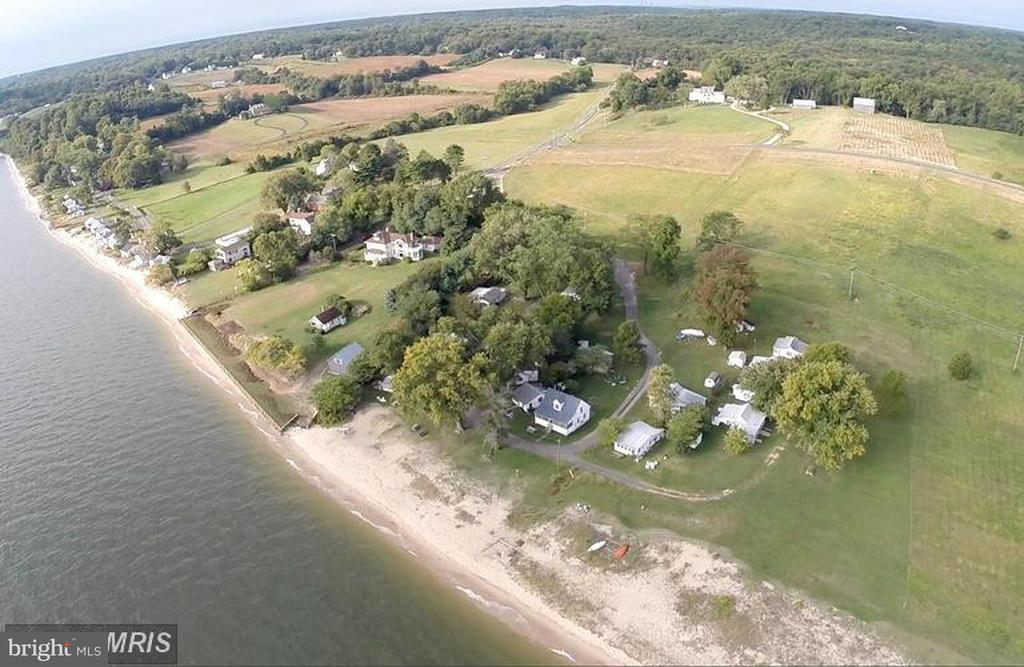 Commercial for Sale at 5255 Plum Point Road 5255 Plum Point Road Huntingtown, Maryland 20639 United States