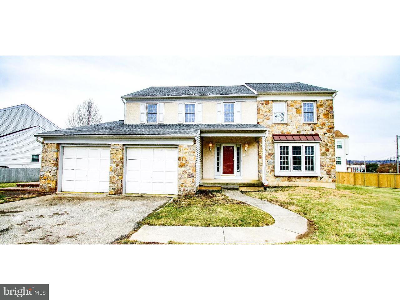 Nhà ở một gia đình vì Bán tại 101 SCARLET Drive Conshohocken, Pennsylvania 19428 Hoa Kỳ