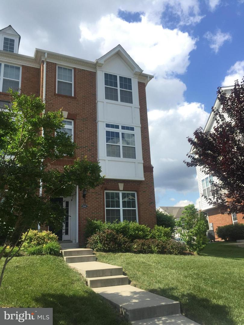 Other Residential for Rent at 23063 Weybridge Sq Broadlands, Virginia 20148 United States