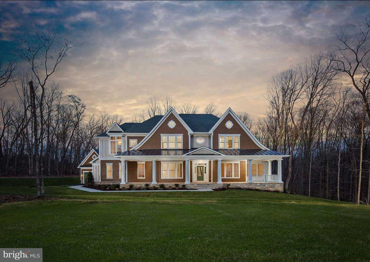 Vivienda unifamiliar por un Venta en 5800 Fox Chapel Estates Drive 5800 Fox Chapel Estates Drive Fairfax, Virginia 22030 Estados Unidos