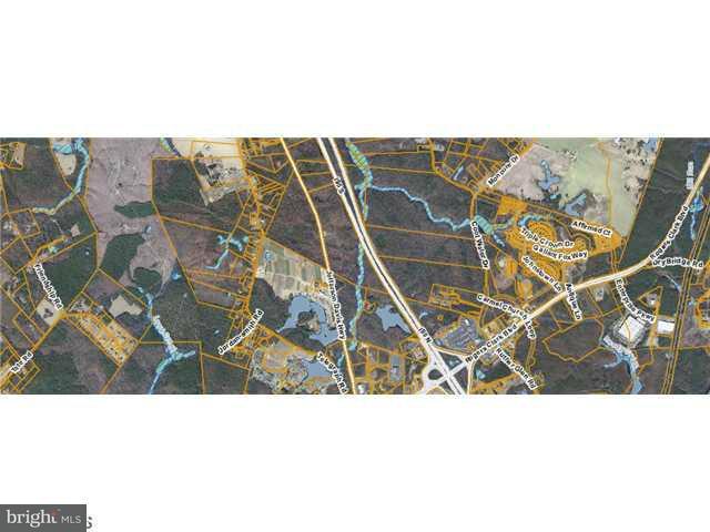 土地,用地 为 销售 在 I-95 At Jefferson Davis Hwy I-95 At Jefferson Davis Hwy Ruther Glen, 弗吉尼亚州 22546 美国