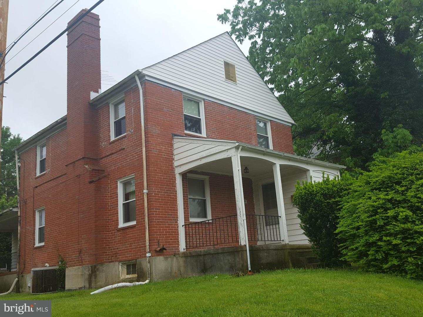 Single Family for Sale at 3901 Clarinth Rd Baltimore, Maryland 21215 United States