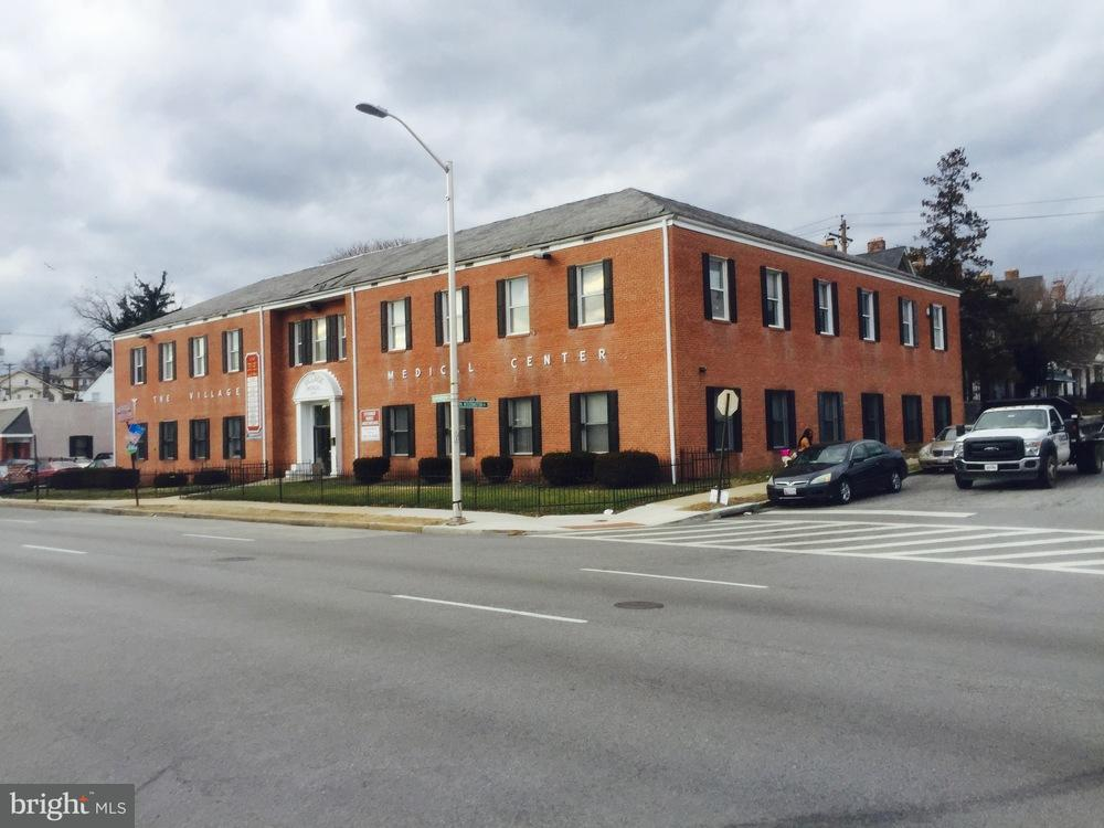 Commercial for Sale at 4216 Edmondson Ave Baltimore, Maryland 21229 United States